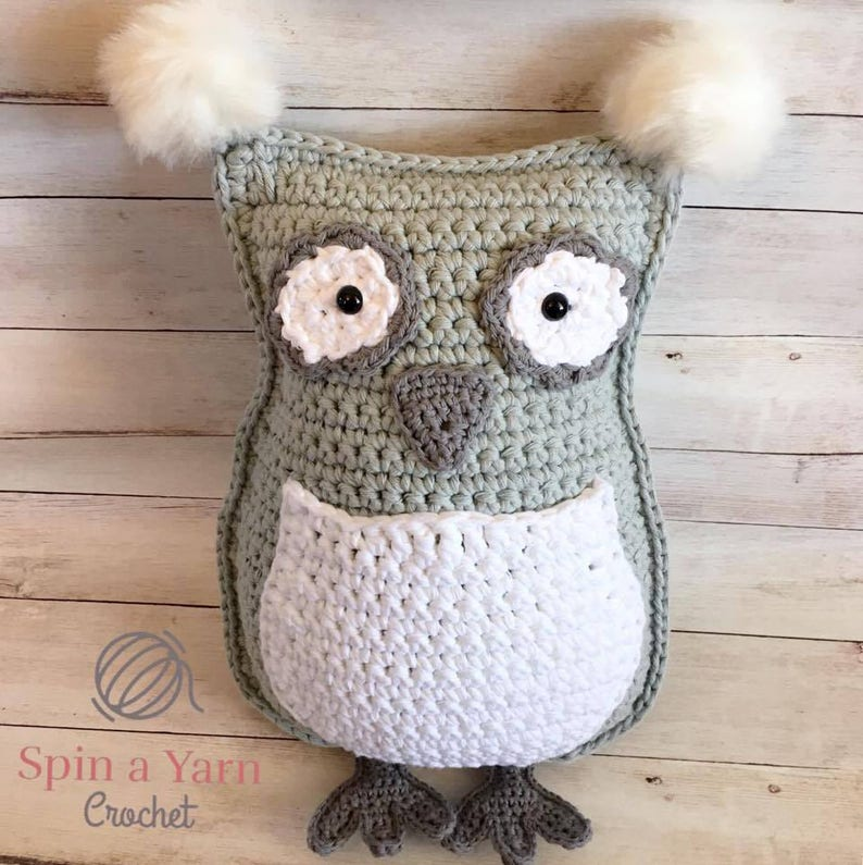 Owl Throw Pillow Crochet Pattern image 0