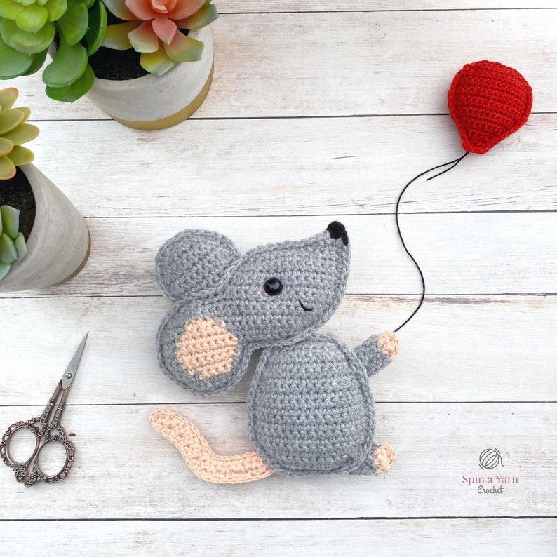 Mouse Amigurumi Crochet Pattern image 0