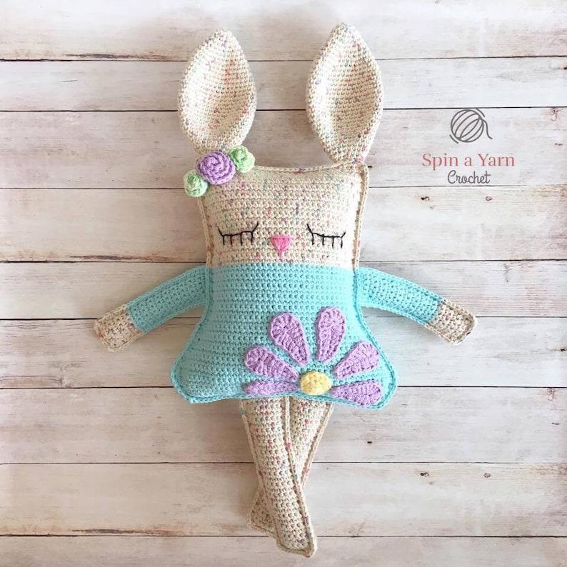 Ragdoll Spring Bunny Crochet Pattern image 0