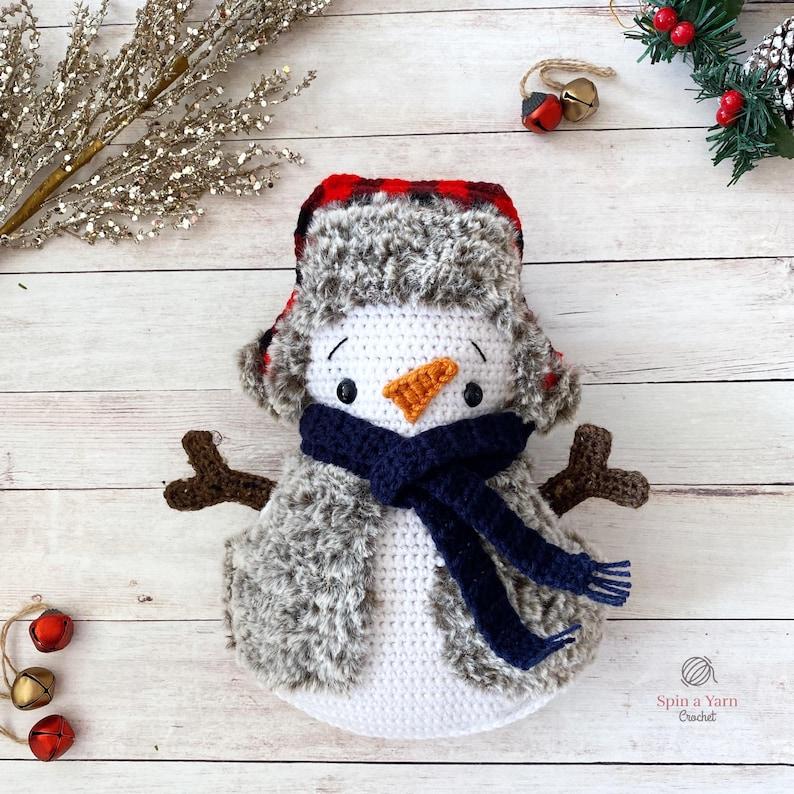 Cozy Snowman Crochet Pattern image 0