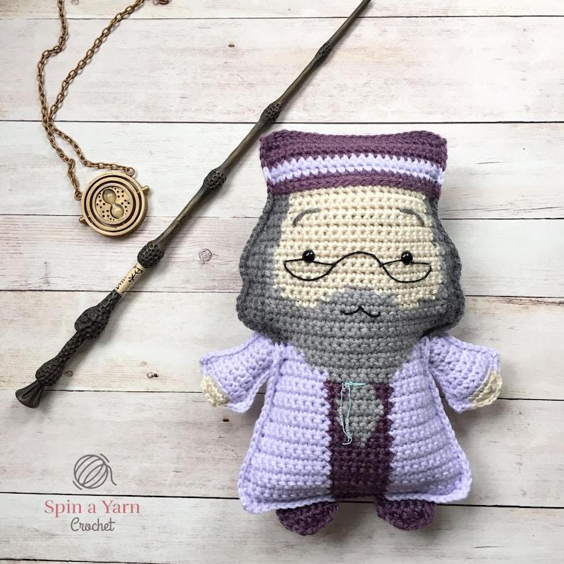 Ragdoll Dumbledore Crochet Pattern image 0