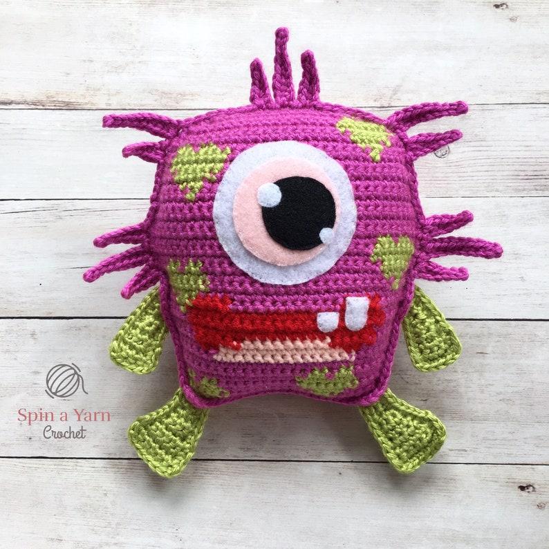 Blinky  Love Monster Crochet Pattern image 0