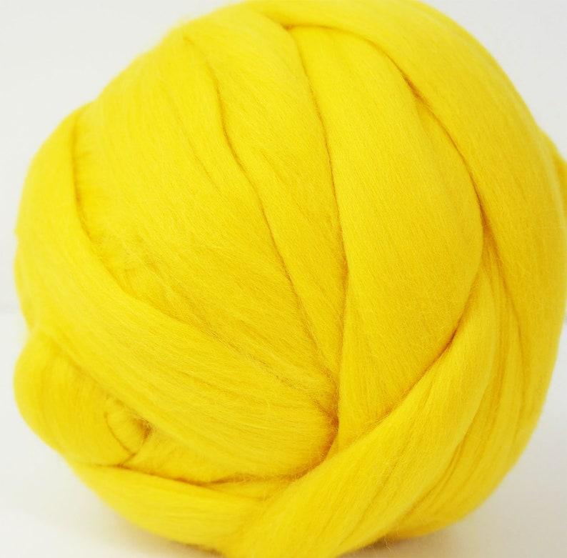 100g Extra Fine Merino Wool Tops Roving Lemon Yellow for Wet Felting, Nuno  Felting, Spinning, Color 224