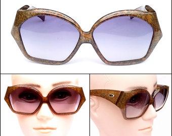 418d8bdd2e8 Christian Dior 2028 - 80s Authentic Sunglasses - Vintage - Oversized Mocha  Marmoreal Design - CD Logo - Optyl Frames -Sunglasses For Women