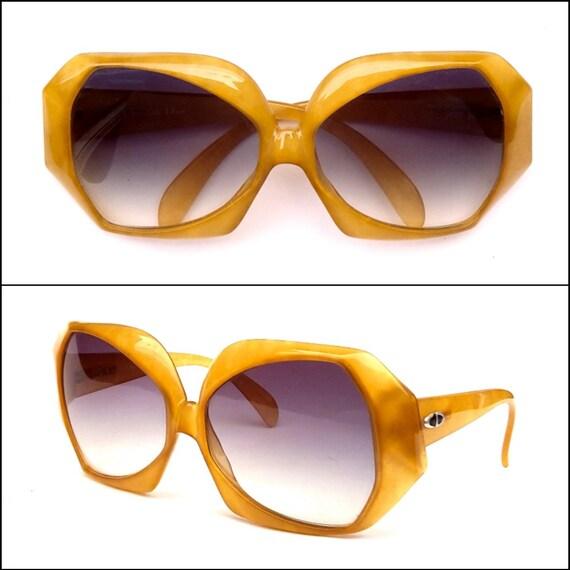 28dbccf9efce NEW 70s Jerry Hall Vintage Sunglasses Christian Dior 2025