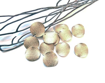 sequins 15 mm gold metal stardust 8 charms