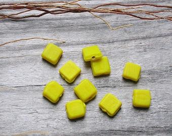 20 beads square 7 x 7 mm vintage yellow ceramic