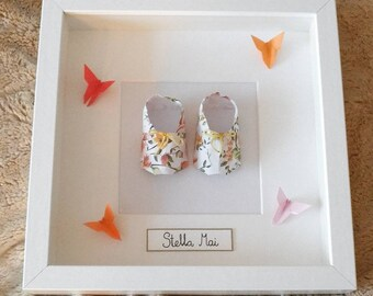 Handmade Paper Origami Baby Shoes Frame