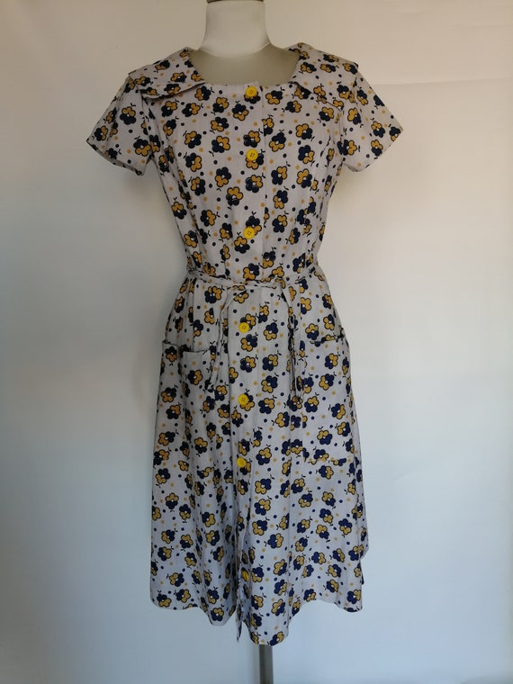 1950s tailored dress with pockets and collar