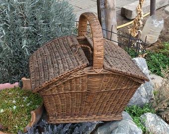 Vintage Wicker Basket, Retro Basket, Storage Basket, Fruit Basket, Farmhouse Basket, Large Wicker Basket, Vintage Woven Basket