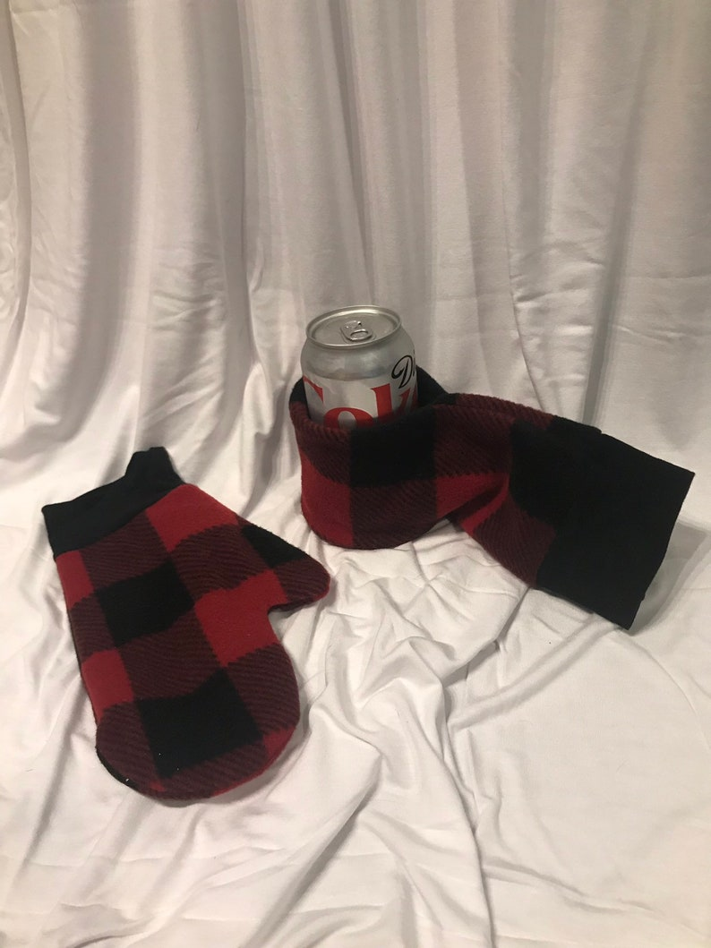 Short can Cozy Canadian beer mitt  mitten  tailgating  image 0