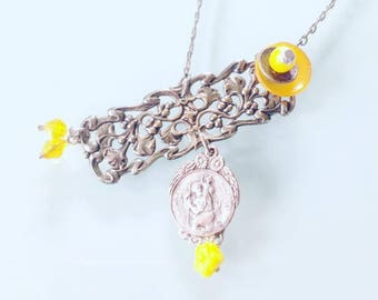 Choker necklace the asymmetrical yellow and silver