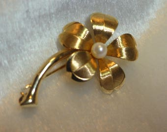 Vintage Gold Filled Single Flower Brooch with Cultured Pearl Center and Delicate Petals