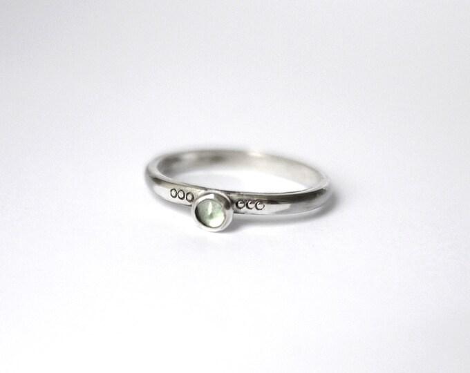 Green Amethyst 3 dot Stacker ring