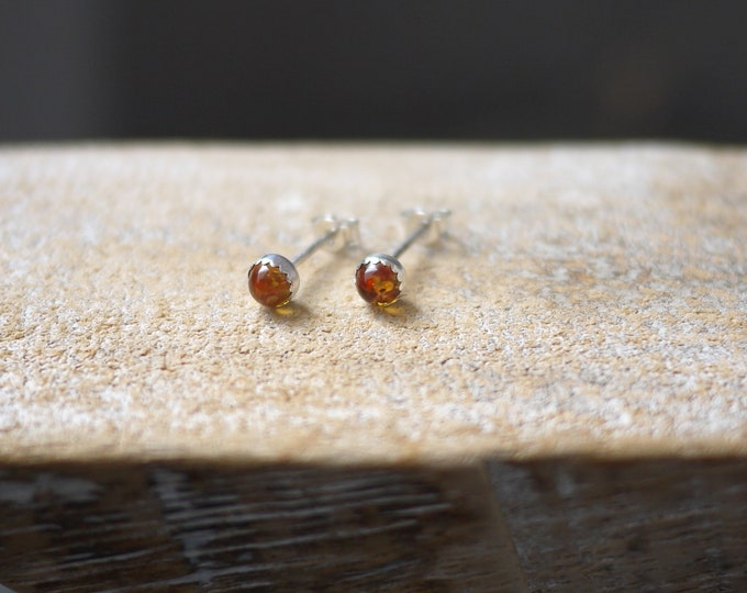 Amber stud earrings 4mm bezel silver handmade