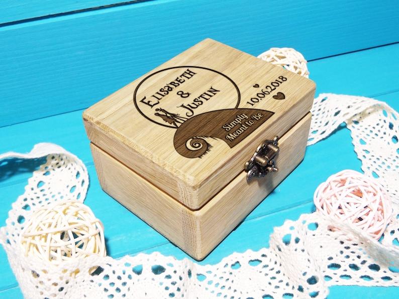 Engagement ring box / Wood Ring Box/ wedding ring holder the box + engraving