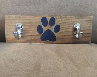Pallet leash holder