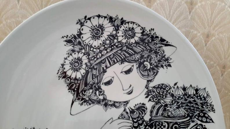 Vintage Oval Display Plate Paloma Bjorn Wiinblad Nymolle