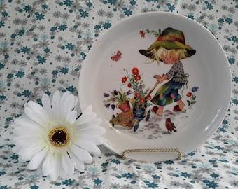 Gottschlich Vohenstrauss Johann Seltmann Young Gardener Decorative Plate, W. Germany