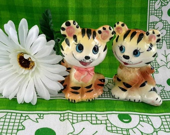 Vintage Smiling Tigers Salt and Pepper Shakers, Made in Japan