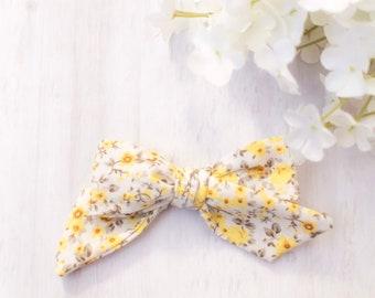 6869199b50ddf Floral hair bows | Etsy