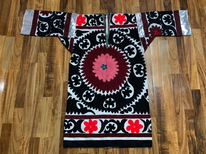Uzbek handmade suzani chapan robe jacket