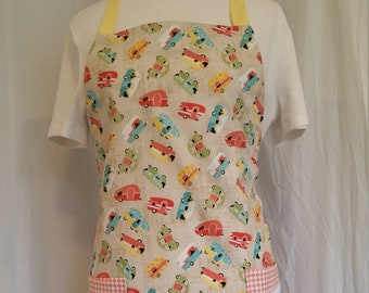 Retro trailer print adjustable apron with large pockets