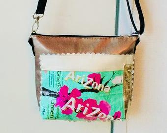 upcycling Arizona-Green Tea Shoulder Bag