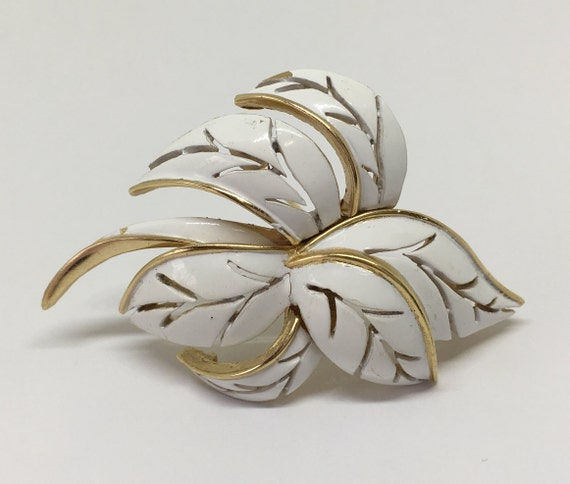Gift for her Signed Crown Trifari Pin White Jewelry Willow Leaf Brooch Vintage Trifari White Enamel Leaf Brooch Gold Tone Nature Jewelry