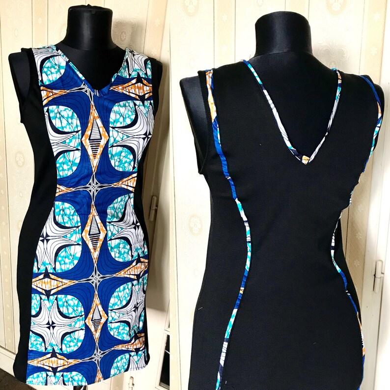 13643692d8b Robe Wax Ankara pour femme noire et motifs ethniques