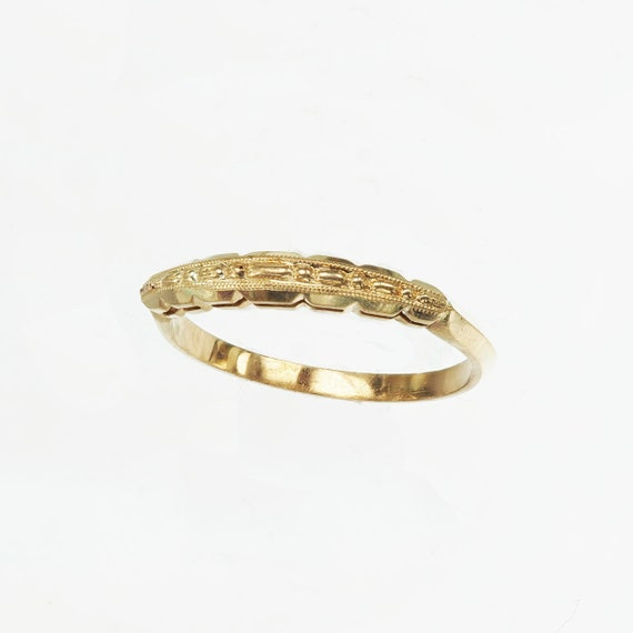 Vintage 1940's Yellow Gold Engraved Band