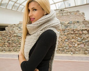 The Malena Cowl Vest Chunky Crochet Easy Pattern PDF Winter Accessory for Women DIY