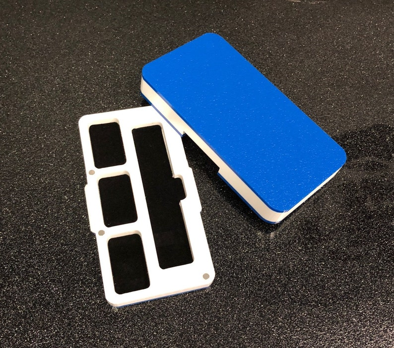 PAX era pod system travel case, blue / white 3 pods by Jwraps