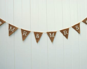 Mr & Mrs Burlap Banner. Wedding Banner. Wedding Decor