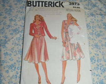 Butterick 3573 Misses Jacket and Dress Sewing Pattern - UNCUT - Size 8 10 12 Loose Fitting Dress with V Neckline Flounce