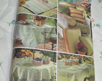 Simplicity 3695 Christopher Lowell Outdoor Table Accessories Sewing Pattern - UNCUT Tablecloth, Placemat, Pillows, Bolster