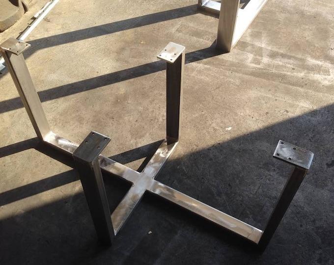 Table Base, Modern Looking Base