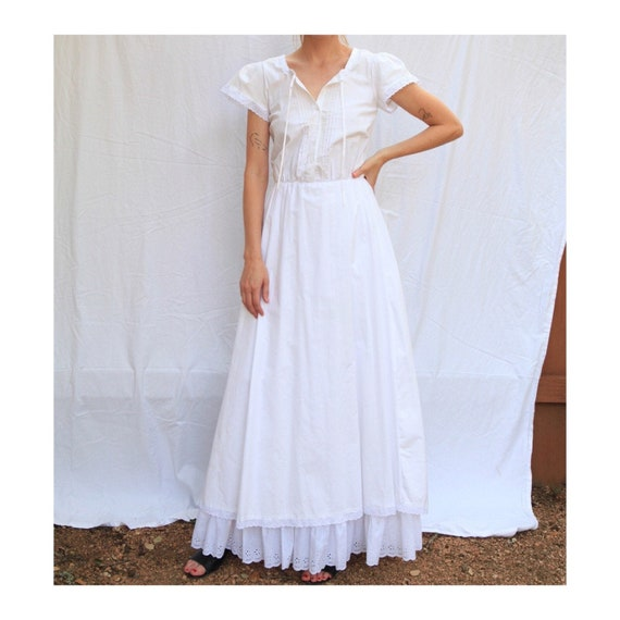 Incredible Romantic Prairie Dress w/ Square Neck &