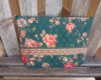 f1f2d24f3a Vintage Retired Vera Bradley Indiana Cosmetic Bag Dark Forest Green with  Red Roses Pattern Greenbriar 100% Cotton Made in USA