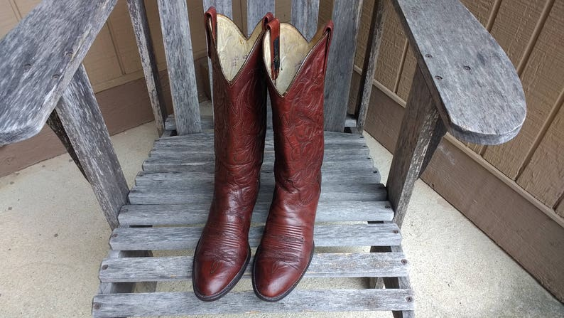 0719b01071065 Vintage Dan Post Oxblood Leather Boots Cowgirl Western Leather Lined and  Leather Sole Burgundy Boots Size 7 1/2 D
