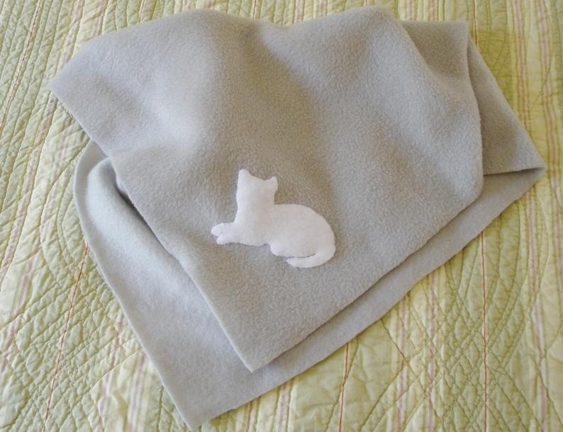 18 by 18 Light Gray Fleece with White Cat Gift for Cat or New Kitten Fleece Cat Blanket Hand Appliqu\u00e9d Crate Size