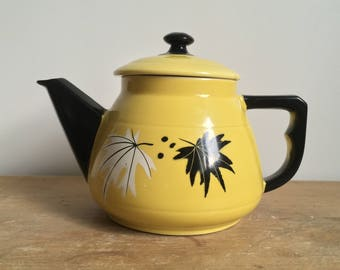 Black and yellow coffee pot / 50s / Multi 6 cups / leaf pattern