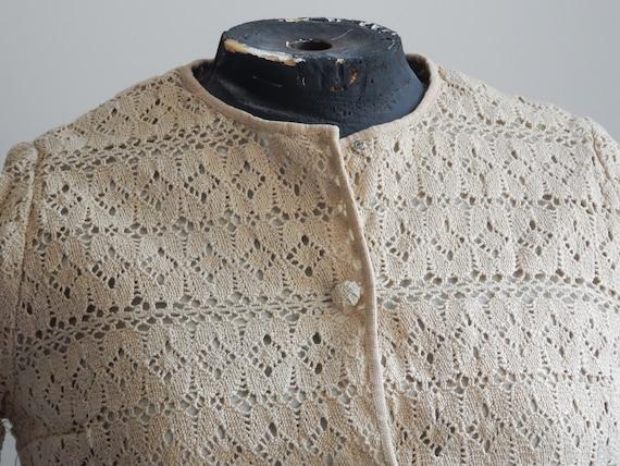 1930s sand-colored crochet cardigan - image 4