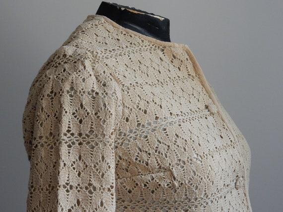 1930s sand-colored crochet cardigan - image 3
