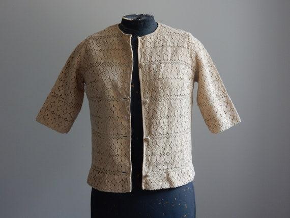 1930s sand-colored crochet cardigan - image 8