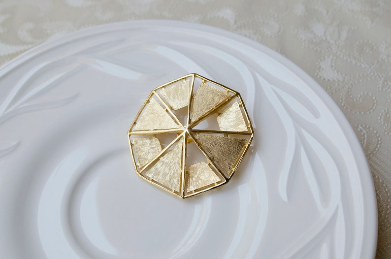 xmas gift jewelry large dome vintage pin Maltese cross gold tone vintage brooch