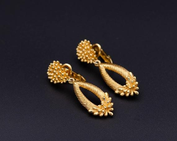 Trifari earrings Non pierced earrings Long teardr… - image 5