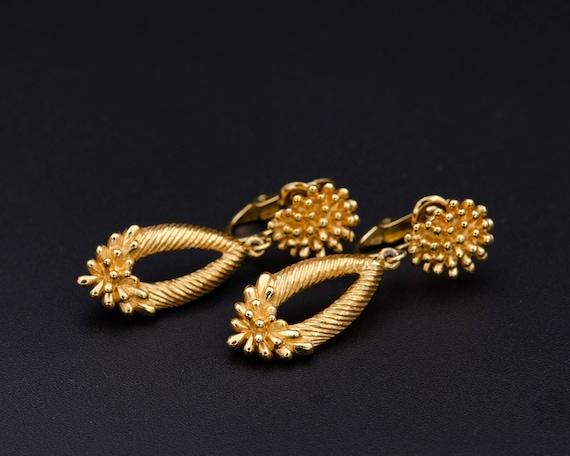 Trifari earrings Non pierced earrings Long teardr… - image 6