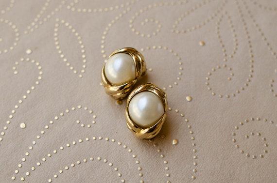 Chunky pearl earrings Large pearl clip on earrings