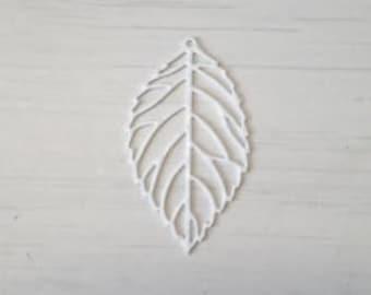 Filigree openwork white leaf print